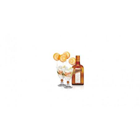 Cointreau 0,7l 40% akce se dvěma skleničkami